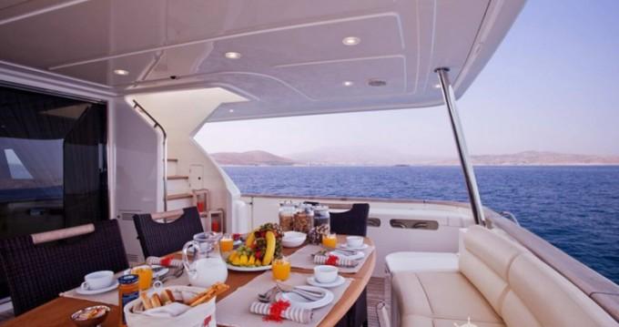 Location bateau Athènes pas cher yacht