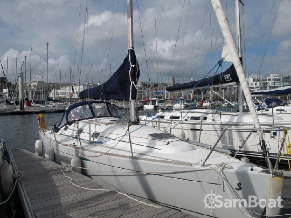 Hire Sailboat with or without skipper Bénéteau Port de plaisance du Château