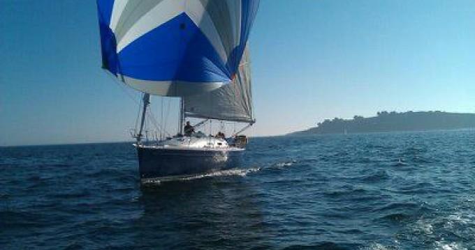 Rental yacht Larmor-Plage - Bénéteau First 36.7 on SamBoat