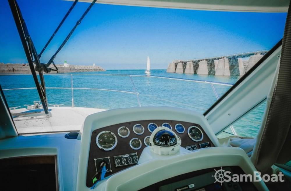 Location bateau Bénéteau Antares 980 à Saint-Gilles-Croix-de-Vie sur Samboat