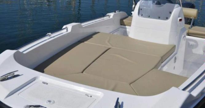 Louez un V2-Boat 5.0 à La Savina