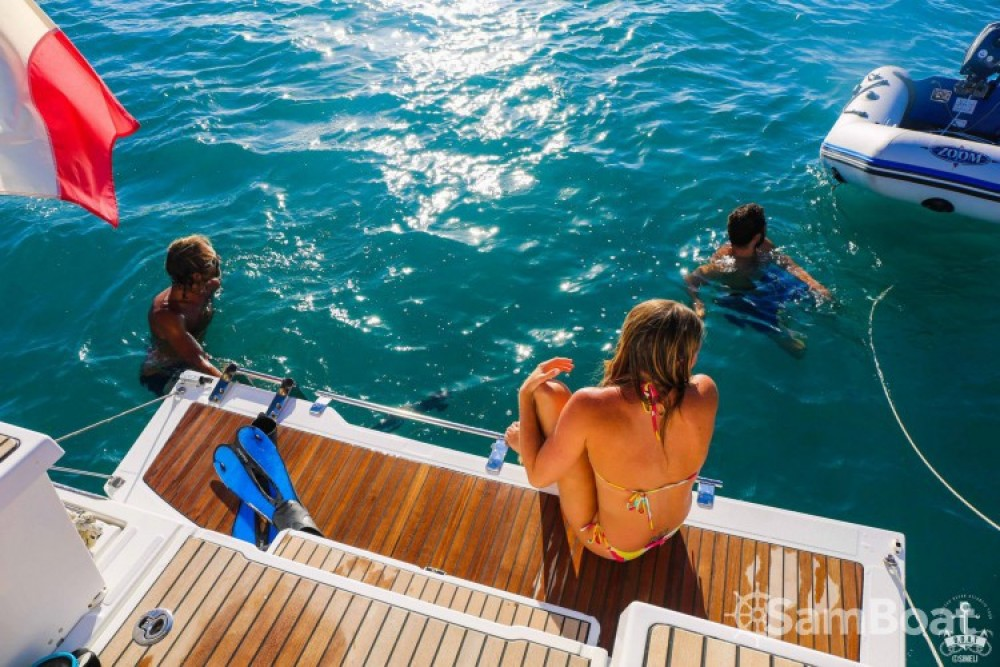 Louez un Bénéteau Oceanis 38 à Saint-Gilles-Croix-de-Vie
