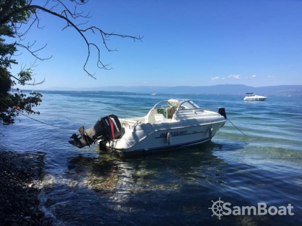 Louer Bateau à moteur avec ou sans skipper Quicksilver à Évian-les-Bains