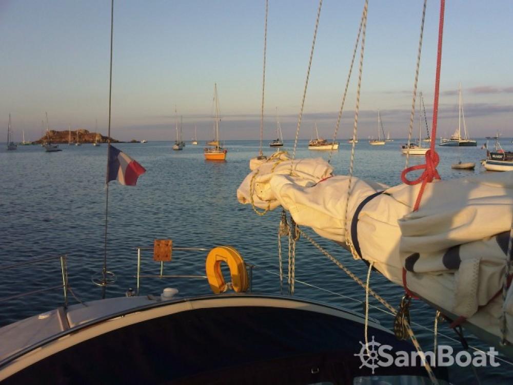 Location bateau Saint-Maur-des-Fossés pas cher Gin Fizz gréé en sloop