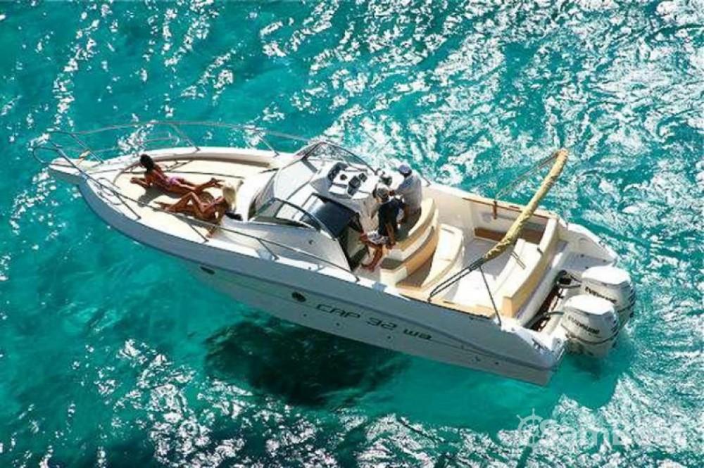 Location bateau Hyères pas cher Cap 32 WA