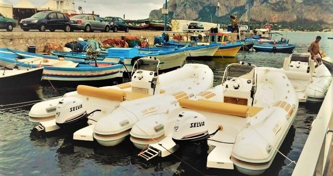 Louer Semi-rigide avec ou sans skipper Nautica Led à Mondello