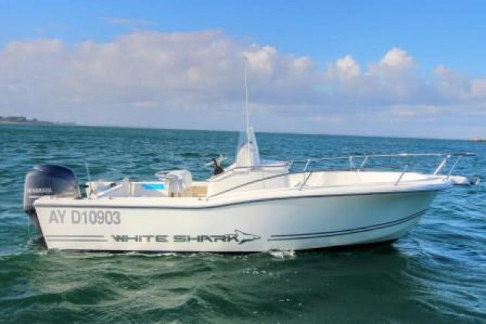 Location bateau Port Haliguen pas cher White Shark 205