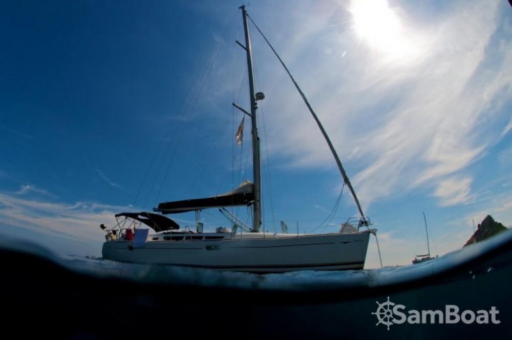 Louer Voilier avec ou sans skipper Jeanneau à Ajaccio