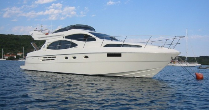 Location bateau Azimut Azimut 46 à Porto San Giorgio sur Samboat