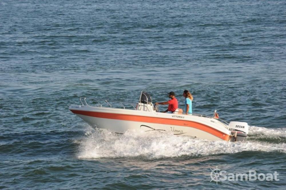 Louer Bateau à moteur avec ou sans skipper Vittoria à Agadir