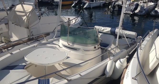 Location bateau B2 Marine Cap Ferret 550 à Saint-Gilles les Bains sur Samboat
