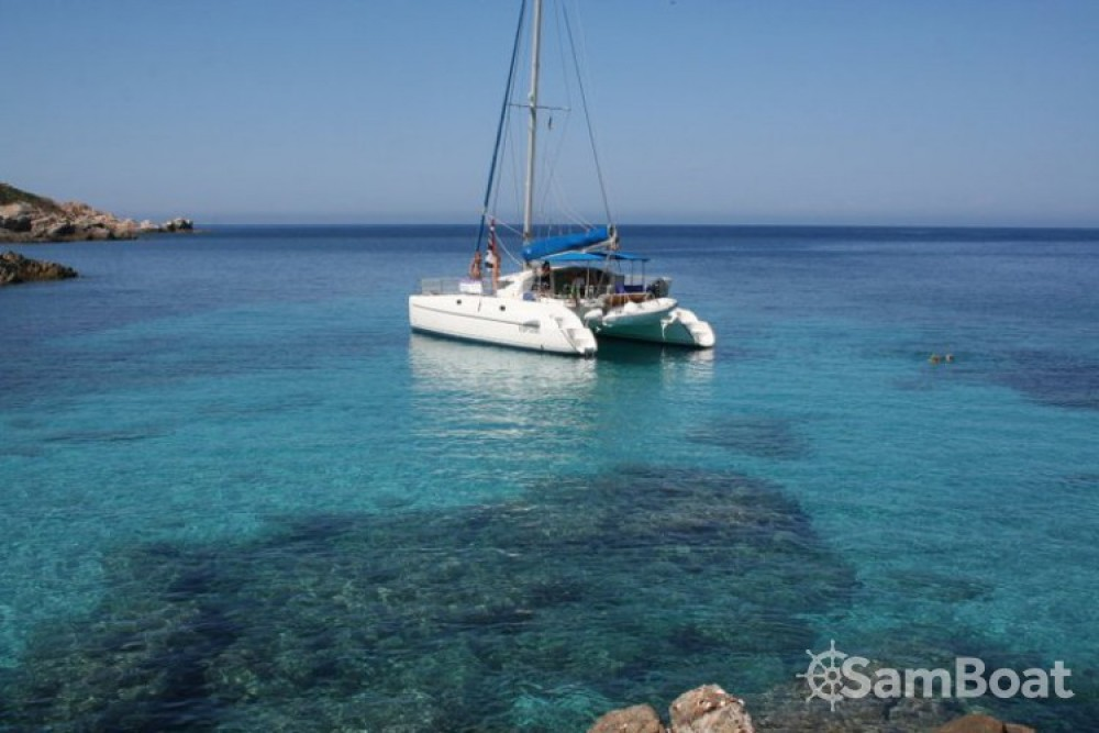 Location Catamaran à Isthintini/Stintino - Fountaine Pajot Athena 38