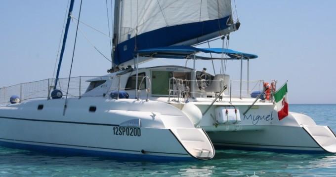 Location bateau Fountaine Pajot Athena 38 à Stintino sur Samboat