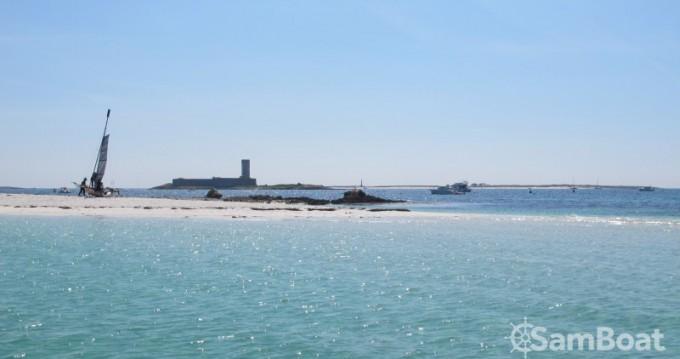 Location bateau Bombard Sunrider 650 à Lorient sur Samboat