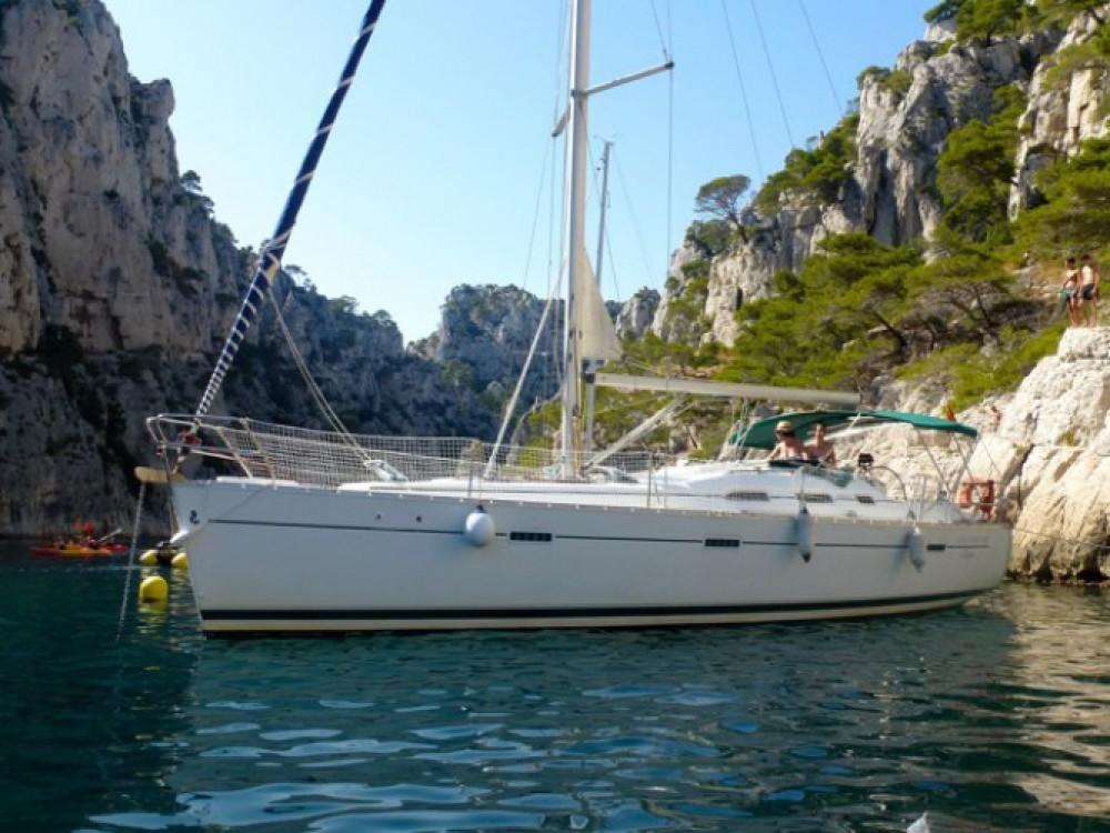 Location bateau Bénéteau Oceanis 393 à Marseille sur Samboat