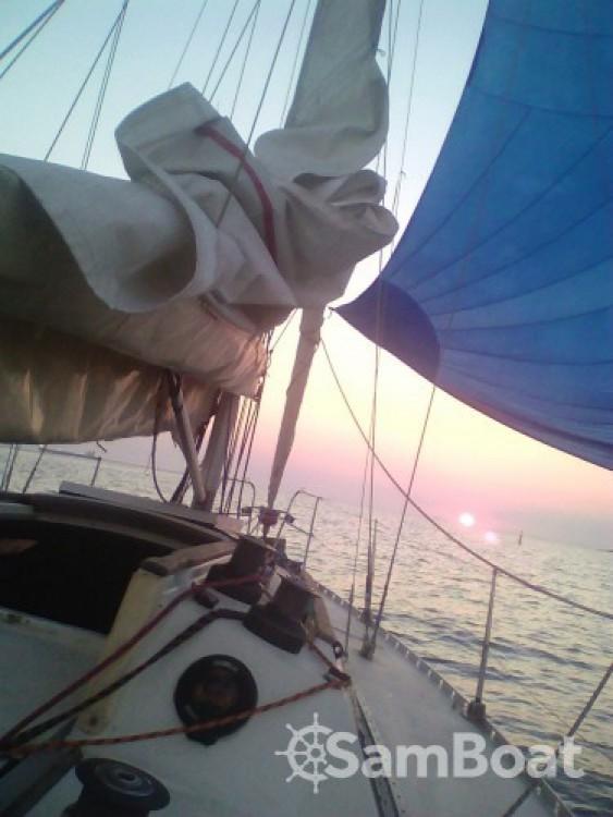 Location bateau Jeanneau Selection 37 à Marseille sur Samboat