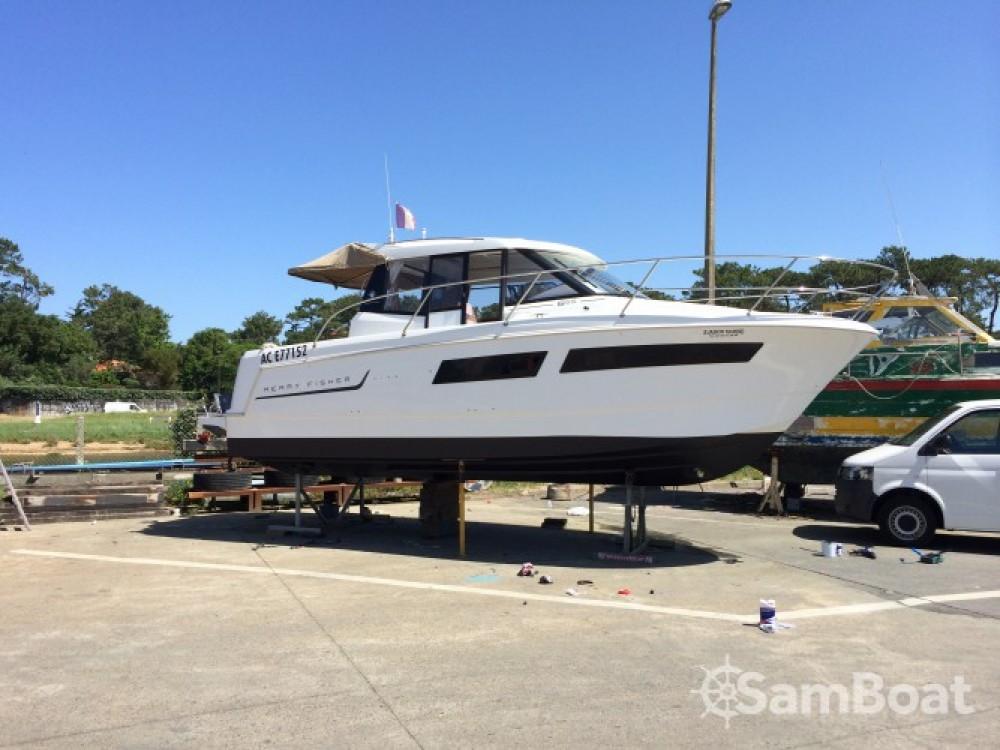 Location bateau Jeanneau Merry Fisher 855 à Capbreton sur Samboat