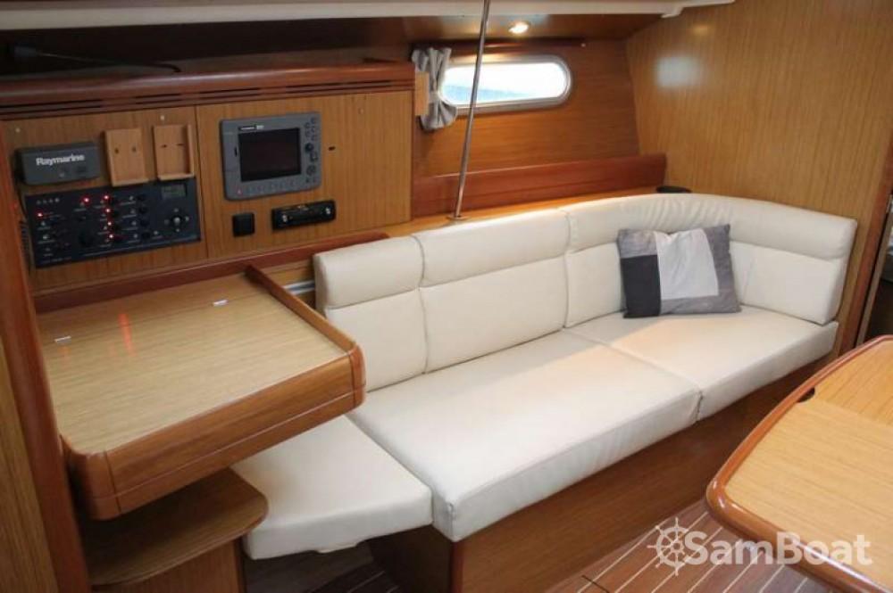Jeanneau Sun Odyssey 39i entre particuliers et professionnel à Bandol