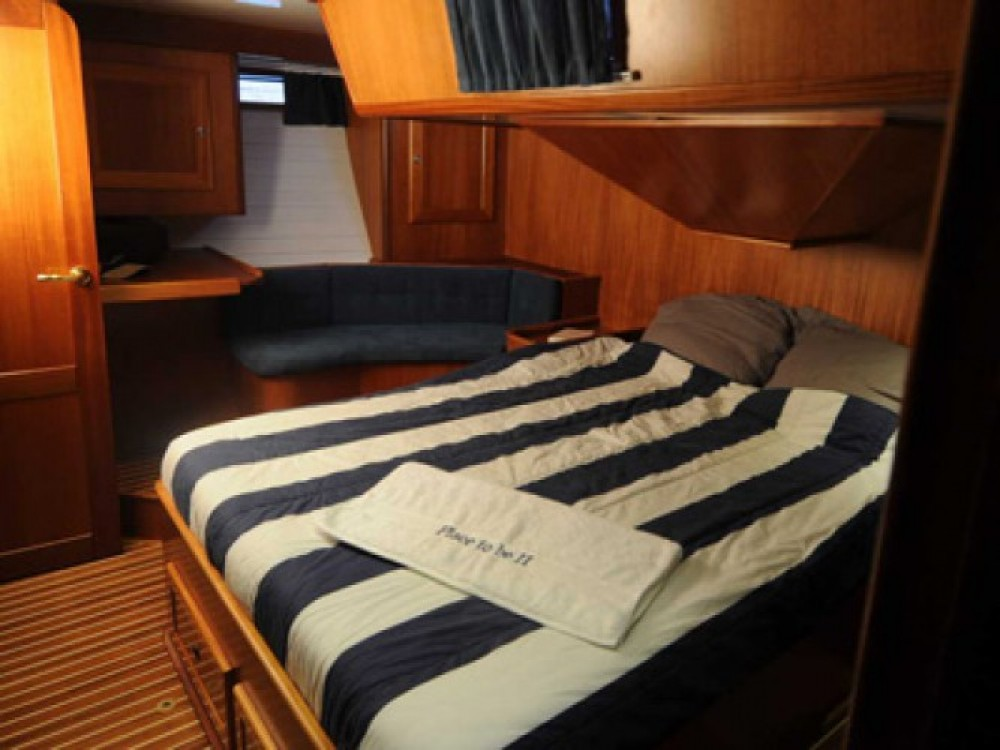 Sailboat for rent Brest at the best price