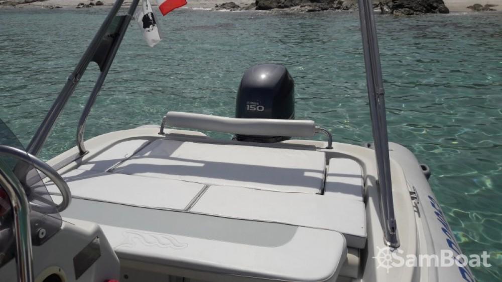 Louez un Motonautica Vesuviana MV  650 confort à Saint-Florent