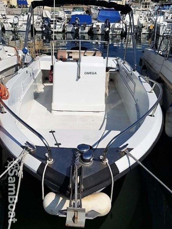 Location Bateau à moteur à Marseille - Jeanneau Cap camarat