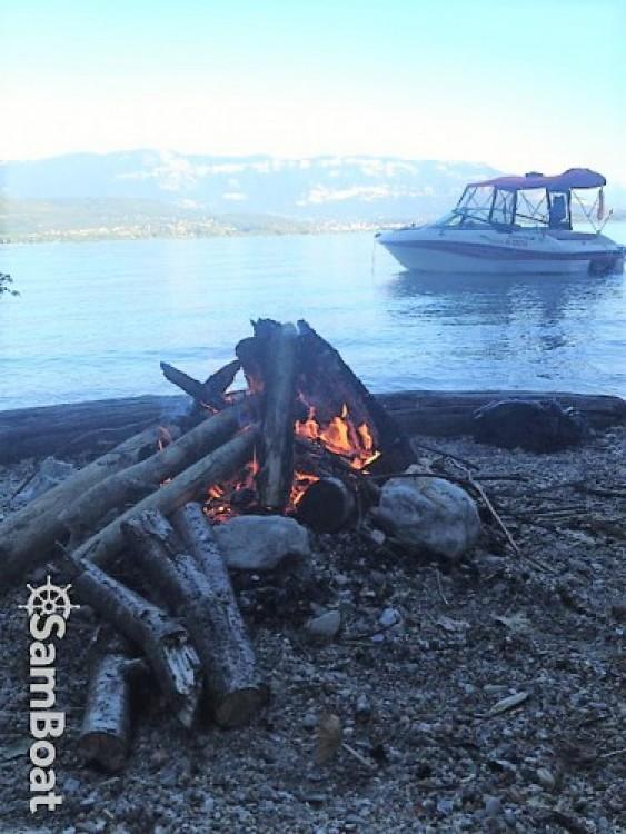 Location yacht à Aix-les-Bains - Four Winns Sundowner 215 sur SamBoat