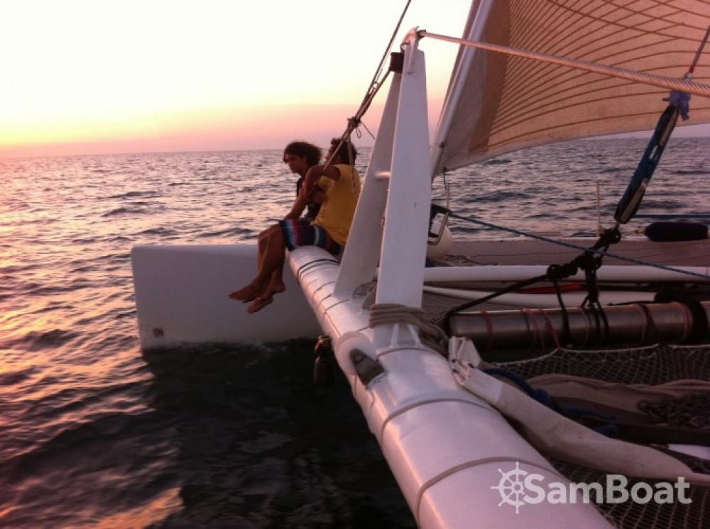 Louez un Launet-Sa catamaran de course 60' à Le Grau-du-Roi