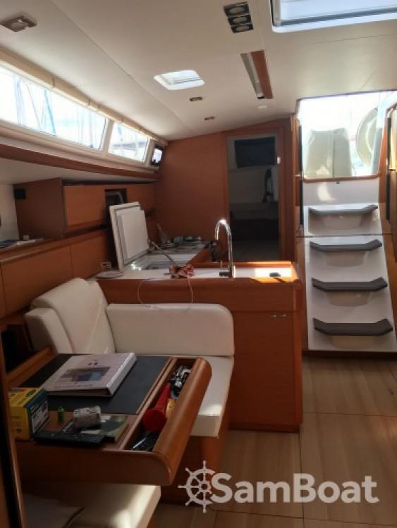 Location bateau La Grande-Motte pas cher Sun Odyssey 479