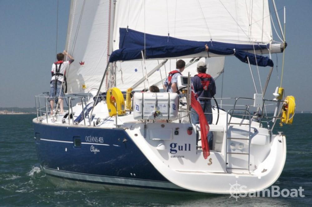 Louer Voilier avec ou sans skipper Bénéteau à Eastleigh