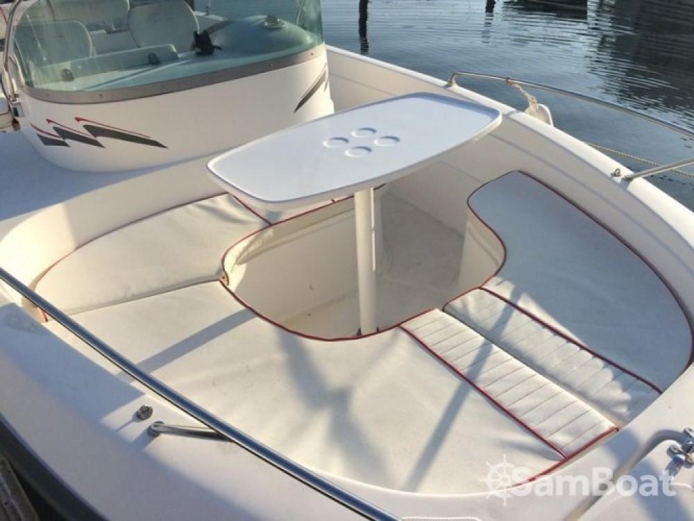 Location bateau Agde pas cher Cap Ferret 650 Open