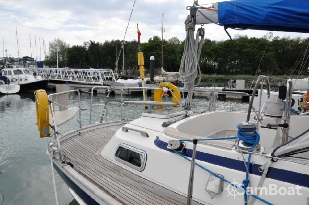 Location bateau Hallberg-Rassy Hallberg Rassy 36 à Eastleigh sur Samboat