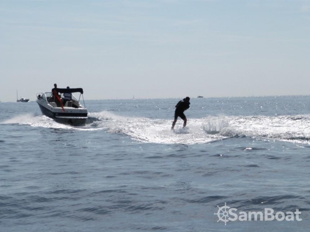 Louer Bateau à moteur avec ou sans skipper Bayliner à Le Lavandou