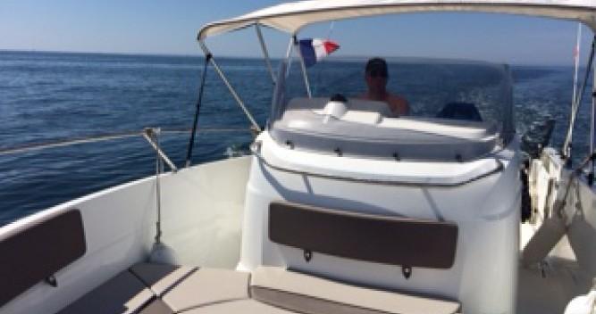 Location bateau Locmariaquer pas cher Cap Camarat 7.5 CC