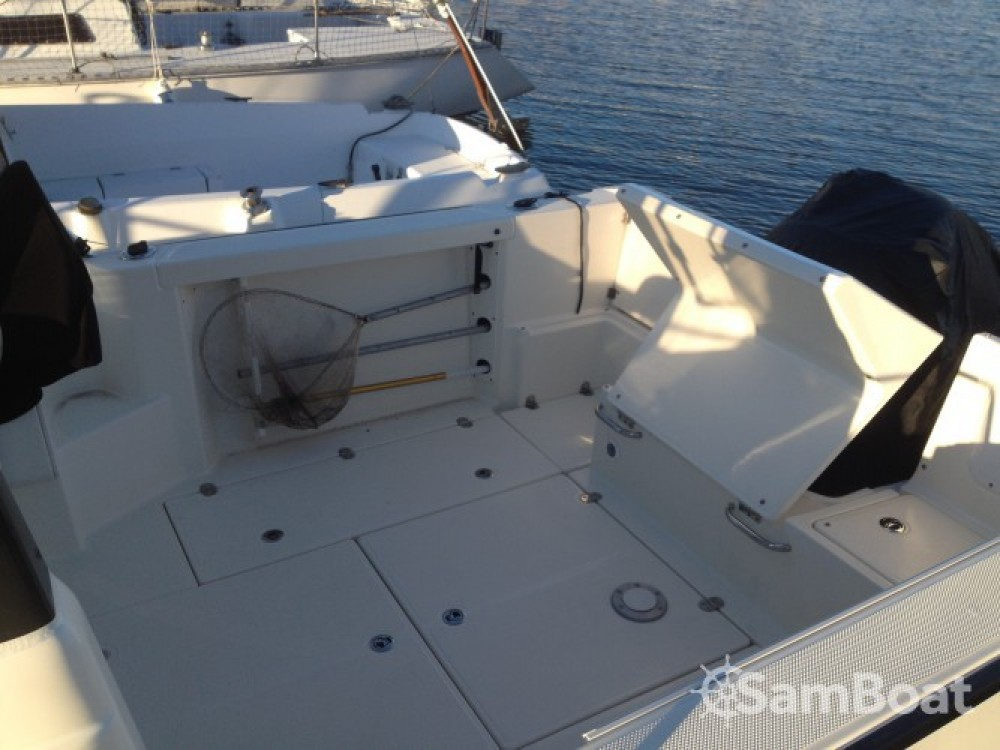 Motor boat for rent Douarnenez at the best price