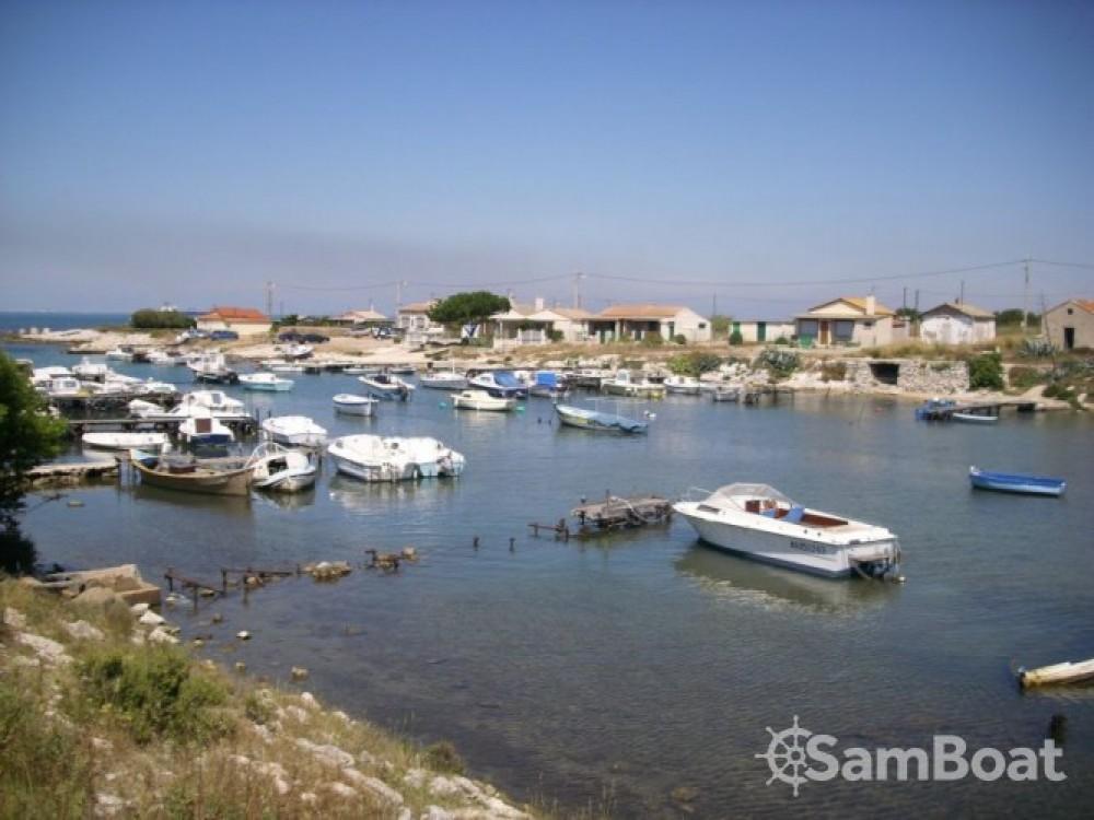 Louez un Marinello Cantiere Nautico à Martigues