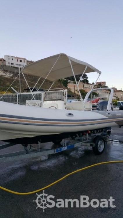 Louer Semi-rigide avec ou sans skipper Zodiac à Marseille