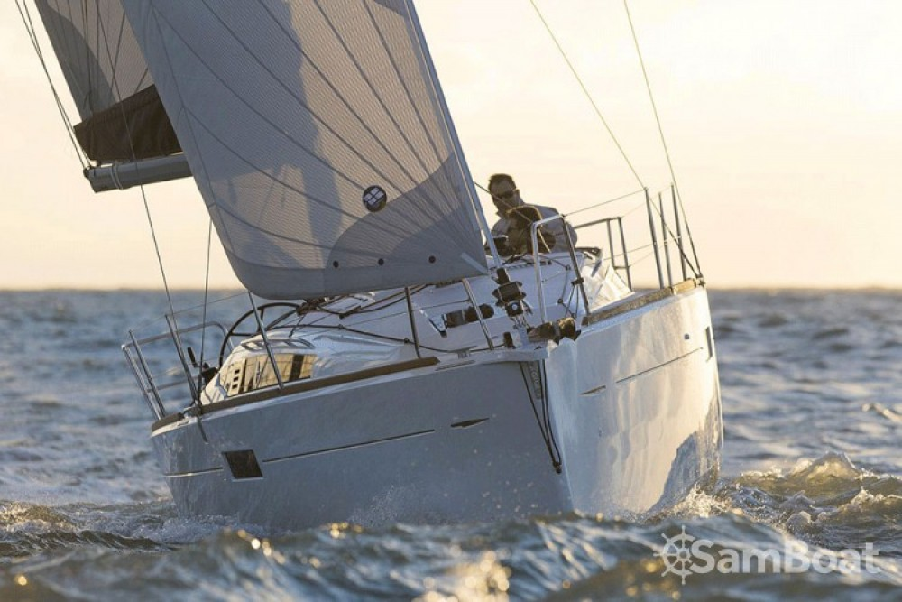 Location bateau Jeanneau Sun Odyssey 349 à San Vincenzo sur Samboat