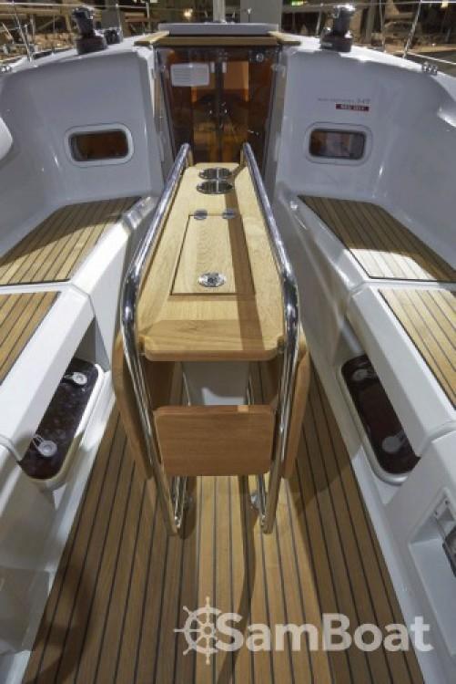 Louez un Jeanneau Sun Odyssey 349 à San Vincenzo