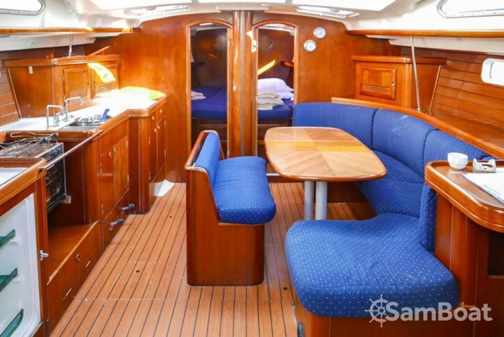 Location bateau San Vincenzo pas cher Oceanis 473
