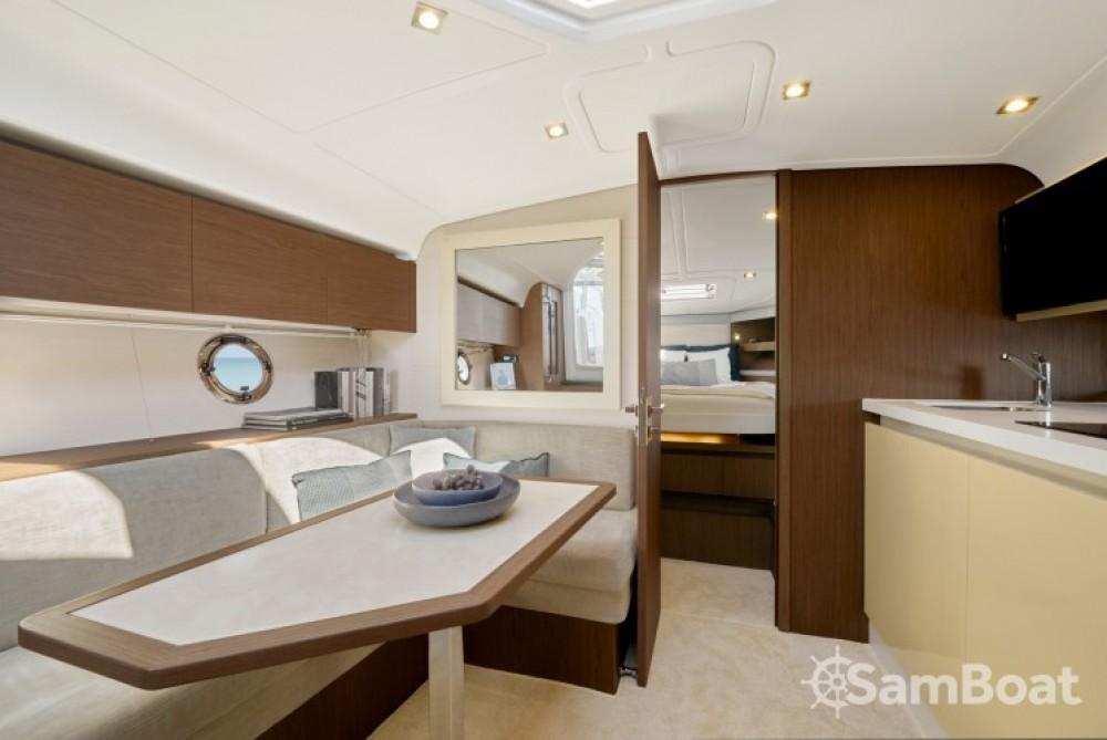 Location bateau Bénéteau Gran Turismo 40 à Port Charles Ornano sur Samboat