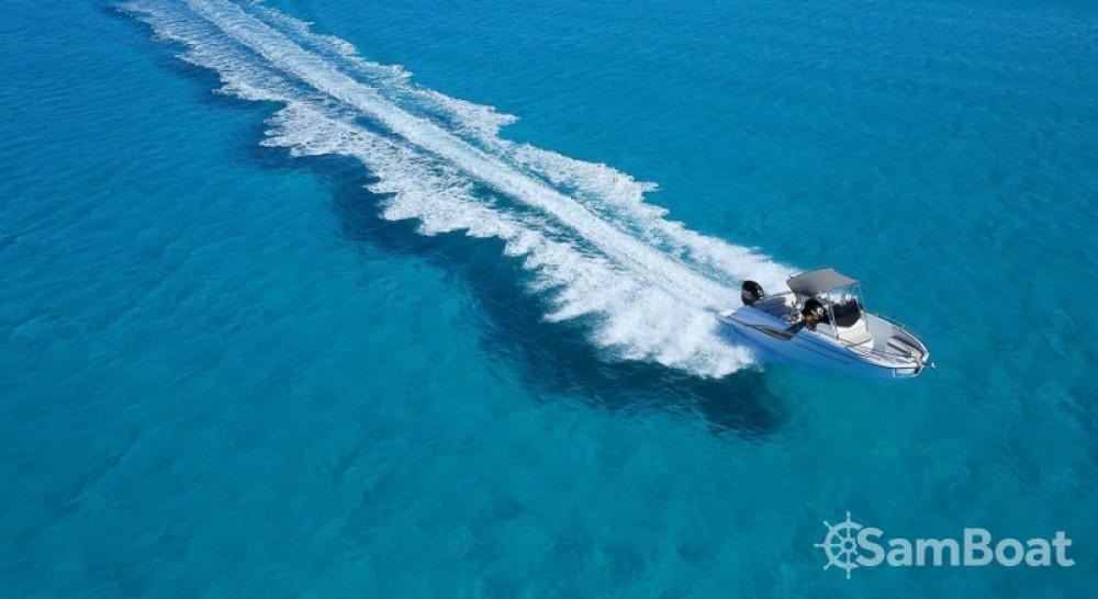 Location bateau Port Charles Ornano pas cher Flyer 7.7 SPACEdeck