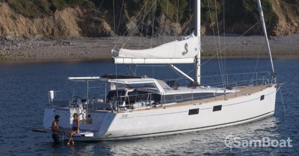 Louer Voilier avec ou sans skipper Bénéteau à Port Charles Ornano