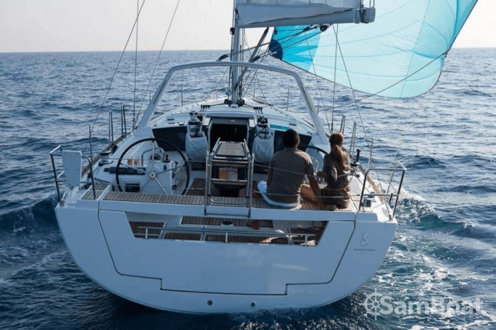 Louez un Bénéteau Oceanis 41 à Port Charles Ornano