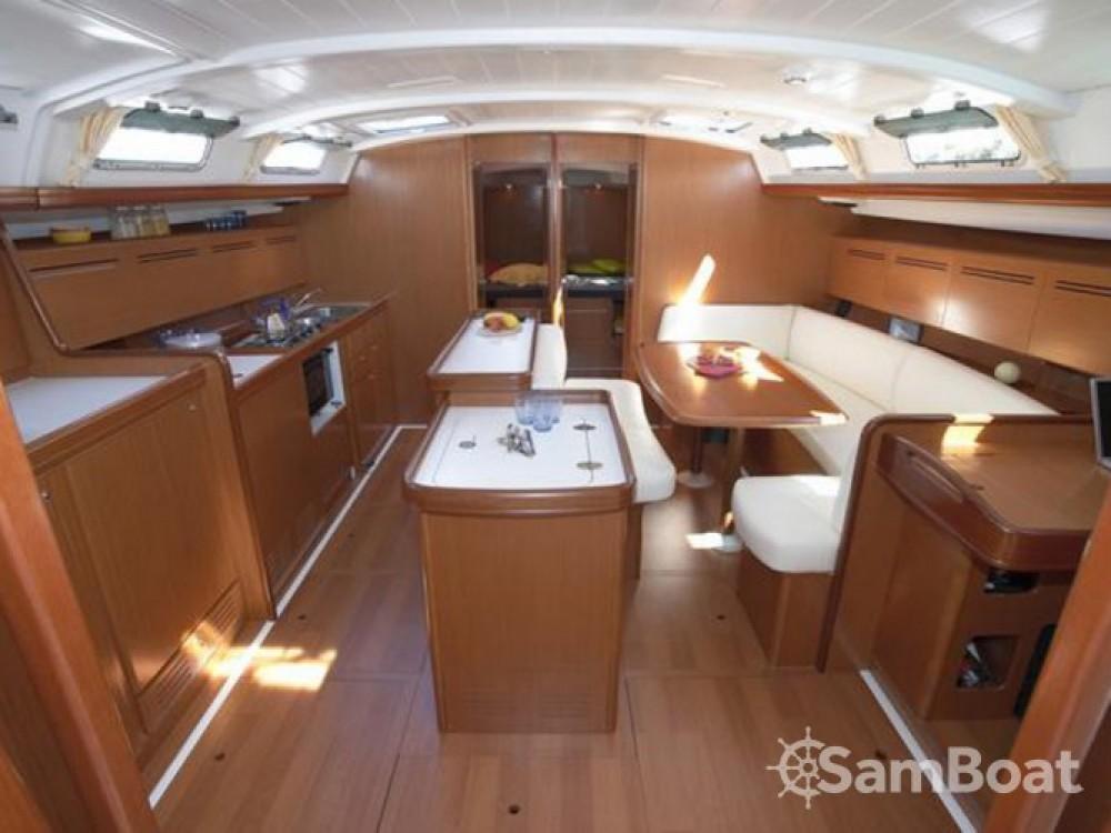 Location bateau Bénéteau Cyclades 50.5 à Rhodes sur Samboat