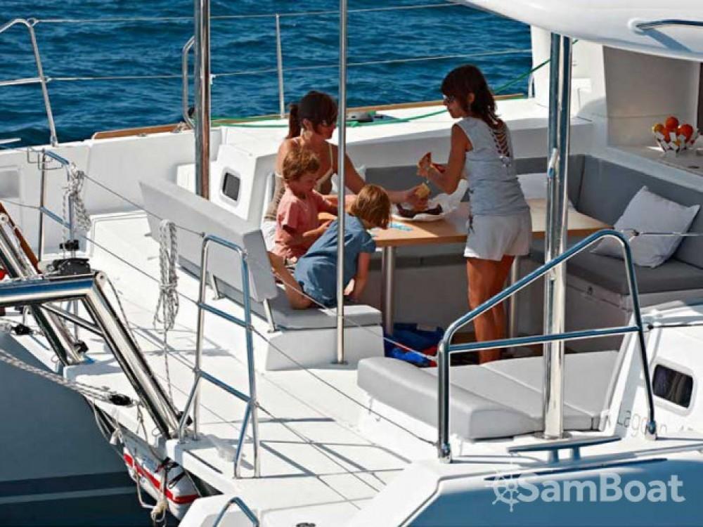 Location bateau Lagoon Lagoon 450 à Μαρίνα Αλίμου sur Samboat