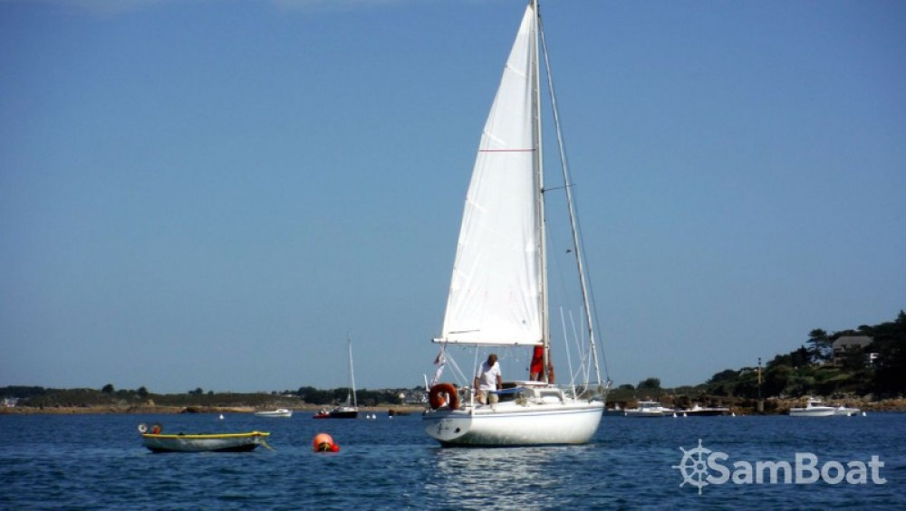 Hire Sailboat with or without skipper Jeanneau Trébeurden
