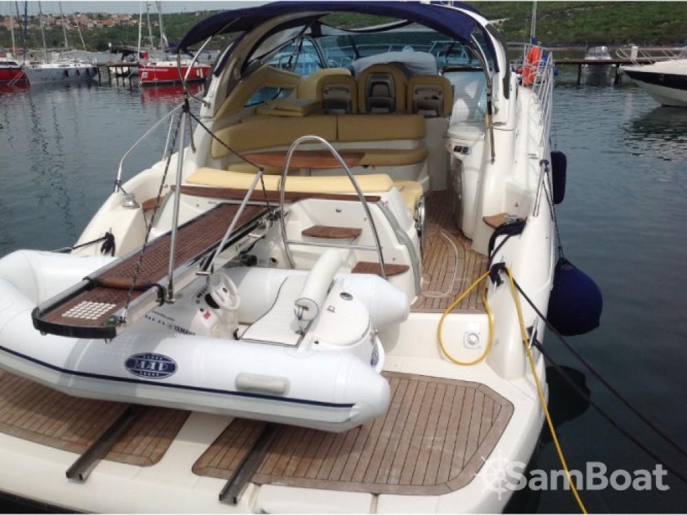 Louer Bateau à moteur avec ou sans skipper Cranchi à Krk