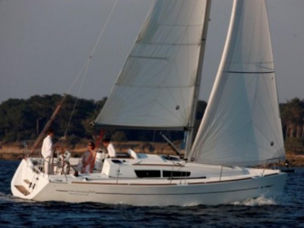 Jeanneau Sun Odyssey 33i entre particuliers et professionnel à Castiglione della Pescaia