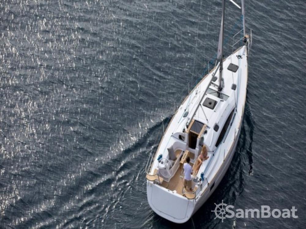 Location bateau Elan Elan 40 à San Benedetto del Tronto sur Samboat
