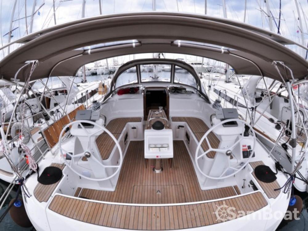 Location bateau Bavaria Bavaria Cruiser 46 à Marina de Alimos sur Samboat